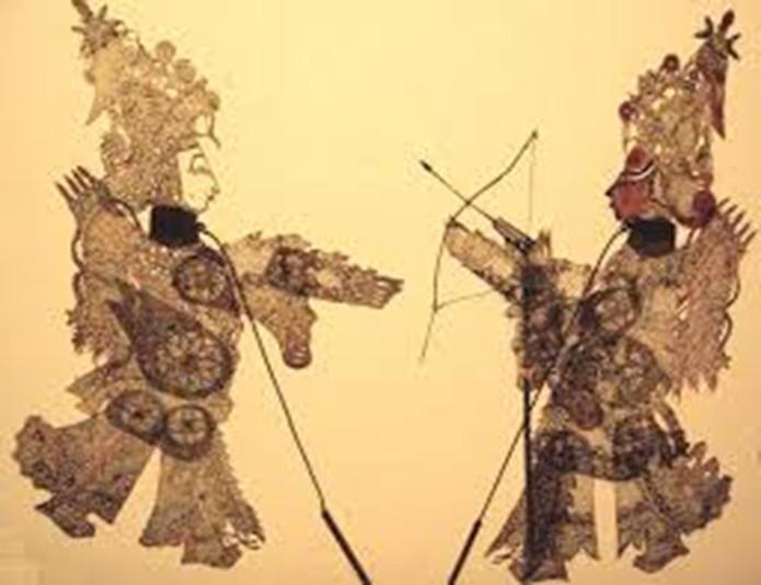 Прийомами бою зі зброєю або без зброї